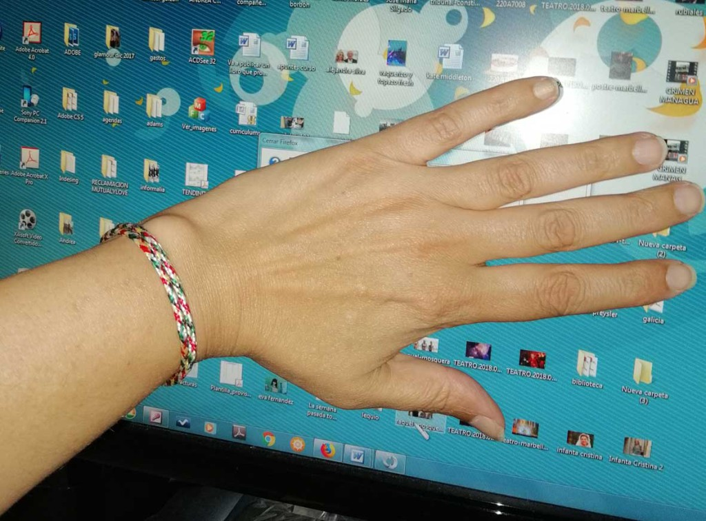 mano-pulseera-budista