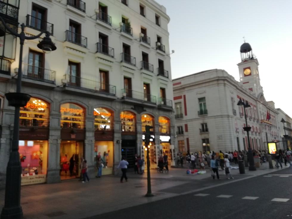 adac259b La tienda joven de zapatos mejor situada de Madrid, Zapshop