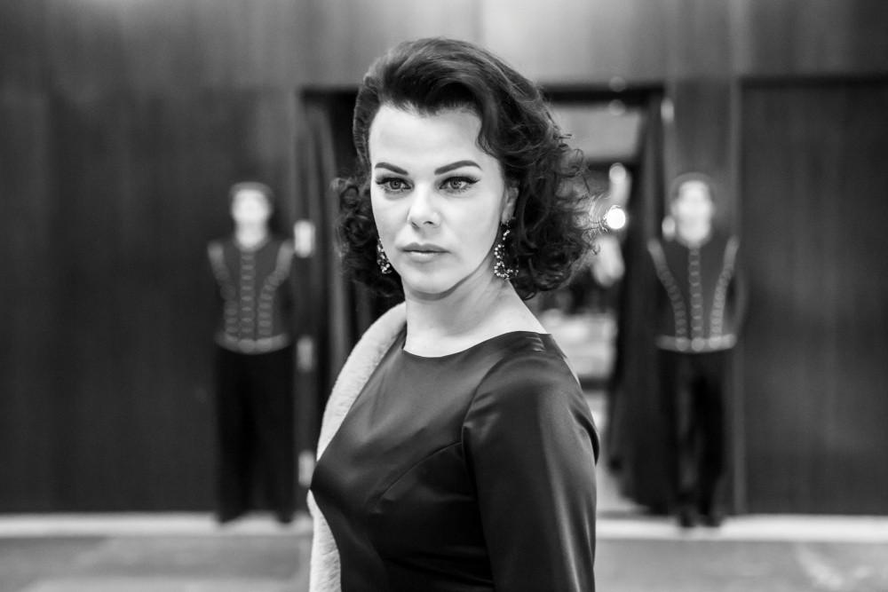 Debi Mazar, la actriz que da vida a Ava Gardner en Arde Madrid