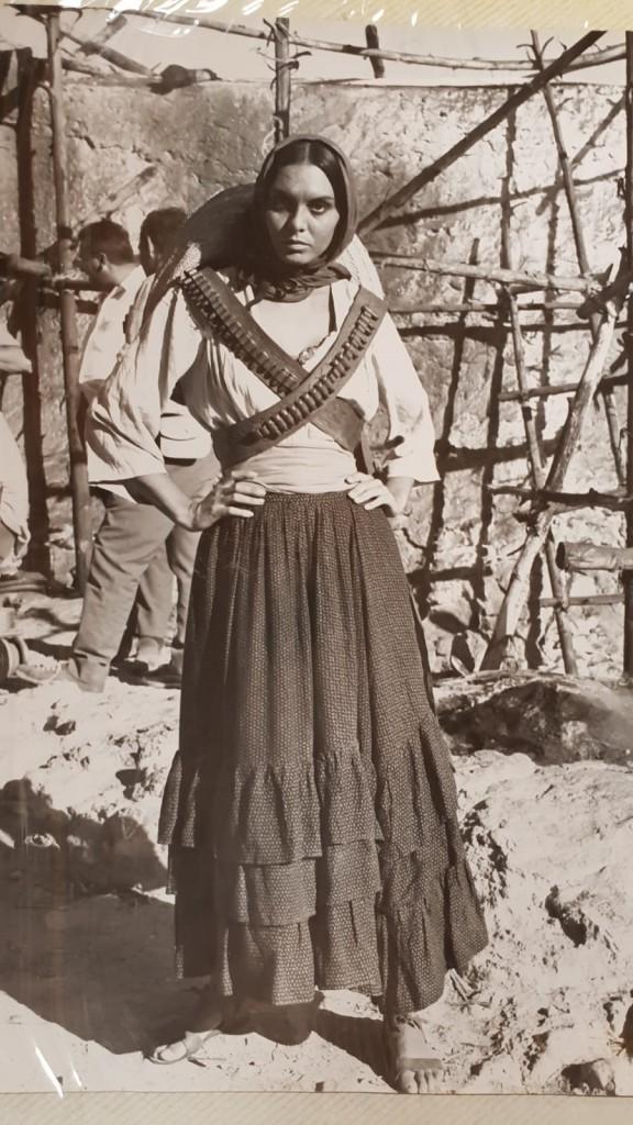 Paloma cela en una película de joven